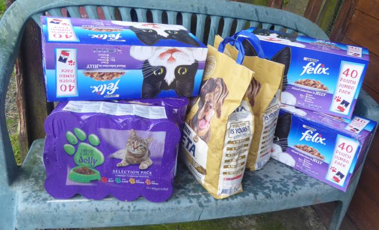 Donations of catfood arrive.